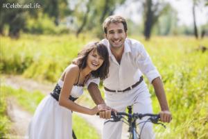 couple field bike