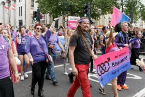 bisexual men and women pride parade