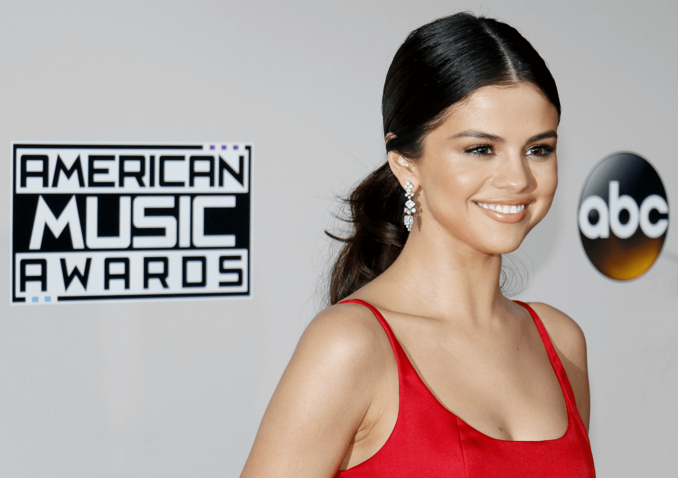 selina gomez american music awards abc photo