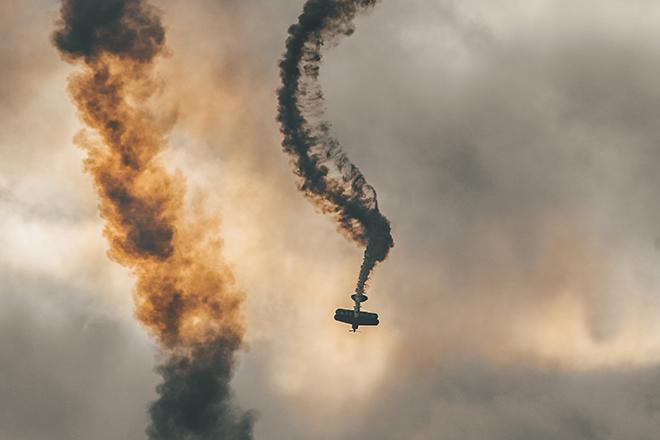 Spiraling plane crash