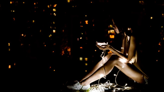 6 Ways to Navigate Social Media While Going Through a Breakup
