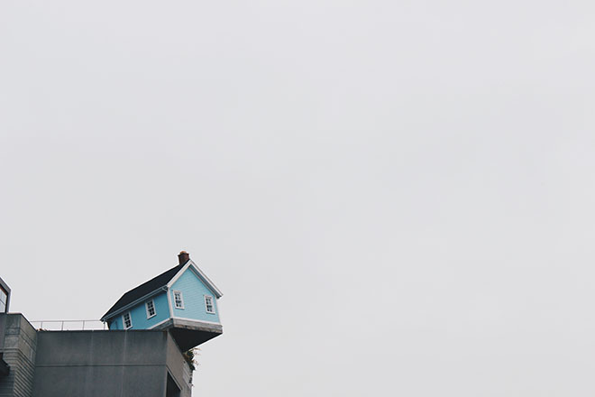 House on edge of cliff