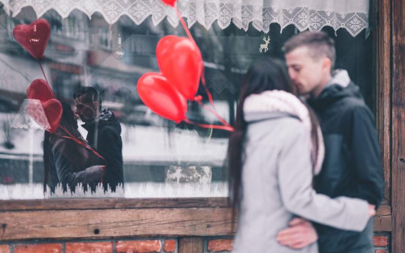 unhealthy toxic love vs healthy love