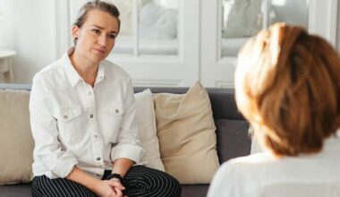 woman speaking to therapist